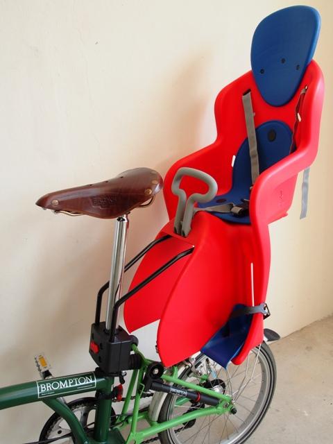 Transporter bébé et enfant sur son Brompton, récap ! With-child-seat7